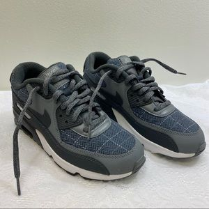 Nike Air Max Shoes. Size 7 Youth.